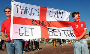 England-fans-with-a-messa-004